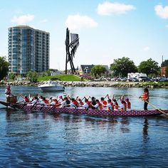 Beauty of a day for the @barriedbfestival @dragonboatbarrie! Get down to the waterfront @downtownbarrie & cheer then on! #barriedragonboatfestival #getoutandplay #visitbarrie #awakenthedragon