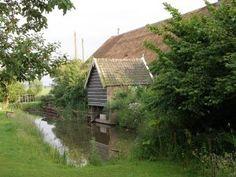 Linschoten, boerderij met spoelhok aan de Korte Linschoten