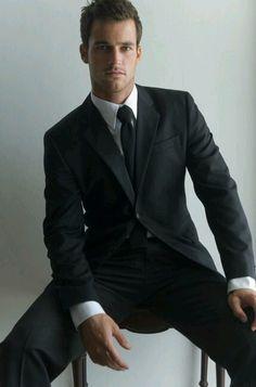 Lance Parker, former soccer player and model. Dapper Gentleman, Gentleman Mode, Gentleman Style, Sharp Dressed Man, Well Dressed Men, Male Clothes, Estilo Cool, Moda Formal, Soccer Outfits