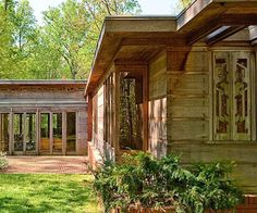 Frank Lloyd Wright's Usonian Houses - The Pope-Leighey house, one of Frank Lloyd Wright's Usonian houses.