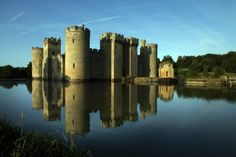 Sussex walk at Bodiam Castle and the River Rother