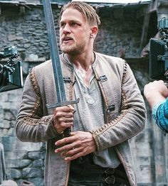 Charlie Hunnam / King Arthur