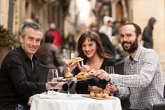 Rioja Alavesa acude a Fitur con nuevas propuestas e imagen renovada http://www.vinetur.com/2014011414278/rioja-alavesa-acude-a-fitur-con-nuevas-propuestas-e-imagen-renovada.html