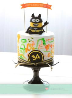 Minion Cake but Bake a Boo Happy Birthday Superhero, Superhero Cake, Batman Birthday, Despicable Me Cake, Minion Cakes, Bake A Boo, Superman Cakes, Gourmet Cakes, Cakes For Boys