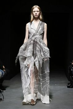 Yiqing Yin Haute Couture Spring Summer 2014 Paris - NOWFASHION