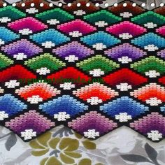 Ravelry Modern Mitered Granny Square pattern by Sue Rivers I know it is crochet but I loved the pattern for a quilt and colors imágenes - Frases y Pensamientos Crochet Bedspread, Crochet Quilt, Crochet Blocks, Crochet Afghans, Crochet Blanket Patterns, Crochet Motif, Knitting Patterns, Granny Square Häkelanleitung, Granny Square Crochet Pattern