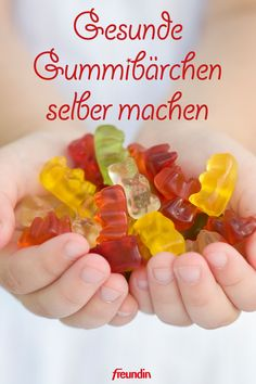 Vegetarische Gummibärchen ohne Gelatine sind richtig lecker, low carb und kalor… Vegetarian gummy bears without gelatin are really tasty, low carb and low in calories! With this recipe, you can make sweets in no time Low Carb Desserts, Low Calorie Recipes, Healthy Recipes, Baby Food Recipes, Sweet Recipes, Homemade Muesli, Halloween Desserts, Gummy Bears, Cookies Et Biscuits