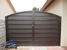 Modern wrought iron driveway gate Front Gate Design, Main Gate Design, House Gate Design, Door Design, Fence Design, Wall Design, Metal Fence Gates, Wrought Iron Driveway Gates, Wooden Gates