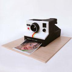 Emma Peralas | Sweet Creations BCN Camera Cakes, Cool Art, Fun Art, Cake Gallery, Cute Cakes, Creative Cakes, Cakes And More, Cake Cookies, Usb Flash Drive