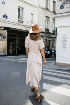 Street style {source unknown} / Fashion / Style / Outfit / Summer / Dress /
