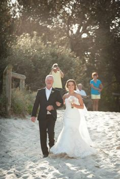 WOW what INCREDIBLE wedding photos! Congratulations Teneal & Sam | Teneal was dressed by Ferrari Formalwear & Bridal | Photography by: Lauren Joy Photography | Wedding dress | Bridal gown | Bride | Real Wedding |
