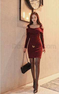Bijoux en résine forme robe fantastique Lady cadeau Mode Fleur Broche Pin Girl
