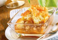 Maple Poor Man's Pudding Or As Known By French Canadians Pouding Chomeur.so Yummy And A Favorite For Us. Just Desserts, Delicious Desserts, Dessert Recipes, Yummy Food, Desserts Fruits, Canadian Cuisine, Canadian Food, Canadian Recipes, Apple Recipes
