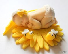 Baby Shower Theme Fondant Bumble Bee Daisy Cake Or Cupcake Topper Yellow Handmade On Etsy 1295