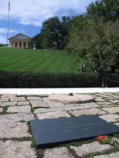 washington dc eternal flame | ... grave and eternal flame at Arlington National Cemetery, Washington DC