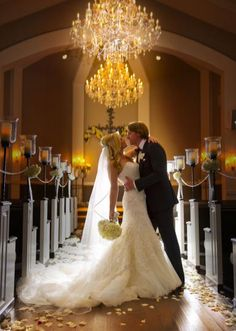 Love this aisle shot! And her dress! One of my favorite dfw wedding venues!