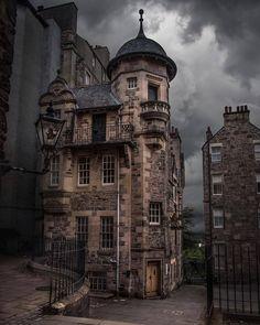 architecture - Edinburgh has some amazing buildings Wanderlust Hotel, Destinations, Amazing Buildings, Amazing Houses, Destination Voyage, Scotland Travel, Scotland Uk, Scotland Funny, Beautiful Architecture