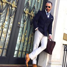 I understand & wish to continue: Photo Mature Mens Fashion, Mens Fashion Blog, Mens Fashion Shoes, Fashion Outfits, Swag Fashion, Online Fashion Magazines, Designer Suits For Men, Sharp Dressed Man, Gentleman Style