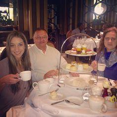 Feliz cumpleaños papa!!! Encantada de tener a mis papis en Londres y poder disfrutar su cumple! So happy to have my parents in London for my dad's bday!! #thebestmanintheworld