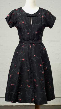 Black Keyhole 1950′s Day Dress