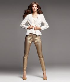 H Gold Skinnies. My collection of metallic pants is getting out of control. (from my sister) Metallic Jeans, Gold Jeans, Gold Leggings, Sequin Outfit, Trendy Outfits, Fashion Outfits, Pants For Women, Clothes For Women, Everyday Fashion