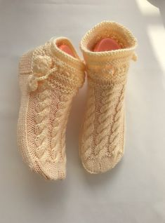Baby Booties, Baby Shoes, Baby Knitting Patterns, Models, Knit Crochet, Slippers, Booty, Clothes, Fashion