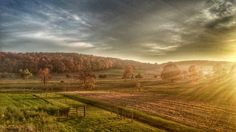 The best landscape picture I ever took from my phone. This is in the heart Lancaster County, Pennsylvania. - Imgur