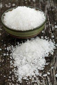 Epsom salz. Es besteht wohl kein Zweifel daran, dass unsere Körper noch nie so vielen Giften ausgesetzt waren wie heute. Eine tolle Möglichkeit, die Engiftungsfähigkeit unserer Körpers zu verbessern, ist ein Detox-Bad.