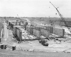 La cale sèche du pont-tunnel Louis-Hippolyte-Lafontaine, pendant sa construction.