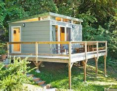 8 Sources for midcentury modern sheds - prefab, DIY kits, and plans - Retro Renovation Backyard Office, Backyard Studio, Backyard Sheds, Modern Shed, Modern Tiny House, Tiny House Design, Casas Containers, Storage Shed Plans, Barn Storage