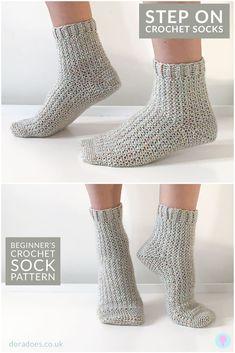 Crochet Socks Tutorial, Easy Crochet Socks, Crochet Sock Pattern Free, Crochet Slipper Pattern, Crochet Boots, Crochet Slippers, Diy Crochet, Crochet Crafts, Crochet Clothes