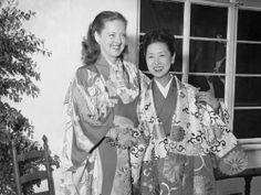 Bette Davis and Kinuyo Tanaka | silentfilm.org