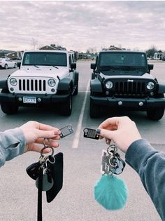 New future cars goals jeep wranglers 43 Ideas Best Friend Pictures, Bff Pictures, Friend Photos, My Dream Car, Dream Cars, Ford Gt, Cute Car Accessories, Jeep Cars, Jeep Jeep