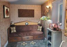 """HeartDeco"" in the Lakeheart Guesthouse den Oregon Coast, Den, Art Deco, The Originals, Furniture, Home Decor, Decoration Home, Room Decor, Home Furnishings"