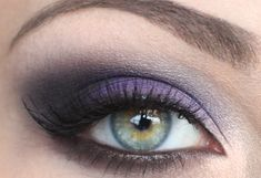 purple smokey eye (Makijaż 268 Eva Longoria - SNOBKA) The purple looks really good on blue eyes for some reason