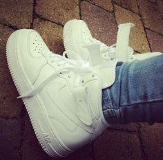 hot sale online 9a894 bd5ca Chaussure, Chaussures De Filles, Baskets Adidas, Tenues Chaussures Nike,  Tenues Audacieuses,