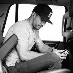 is honestly the man of my dreamssss Country Strong, Country Men, Country Music Artists, Country Singers, Sam Hunt Music, Bae, Love Sam, Jake Owen, Attractive Men