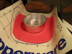 How to make a cowboy hat cake - Tutorial - Cake Central Fondant Tips, Fondant Tutorial, Fondant Cakes, Cupcake Cakes, Hat Tutorial, Cupcakes, Cowboy Hat Cake, Cowgirl Cakes, Western Cakes