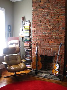 Music Room. Awww! This reminds me of my Uncle Glenn and Aunt Julie's house! Good memories... :)