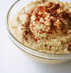 Hummus... nothing better for an afternoon treat :) (with red peppers of course).