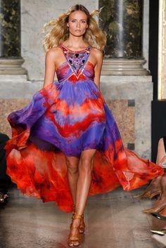 Milan Fashion Week Day 4 Emilio Pucci Spring/Summer 2015 Ready to wear 20 September 2014 Daily Fashion, Look Fashion, Runway Fashion, Spring Fashion, High Fashion, Fashion Show, Fashion Design, Fashion Trends, Milan Fashion