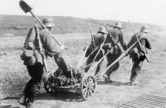 German infantrymen towing the minenwerfer in 1918