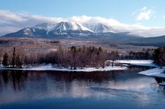 Katahdin is a gorgeous view to see! Greenville Maine, Northern Maine, Lake George, Winter House, Camping And Hiking, Places Of Interest, Maine House, Back Home, Places To Go