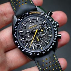 Borrowed Time: Omega Speedmaster Dark Side of the Moon Apollo 8 - Watch - Ideas of Watch - Omega Speedmaster Dark Side of the Moon Apollo 8 Amazing Watches, Best Watches For Men, Luxury Watches For Men, Beautiful Watches, Cool Watches, Fossil Watches For Men, Men's Watches, Rolex Watches For Men, Ladies Watches