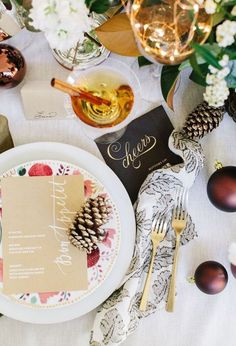 holiday table setting @tiny_prints