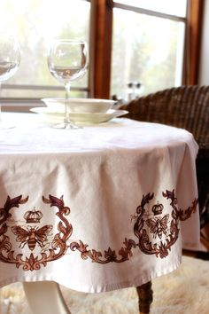 Love the new Parisian Love Letter machine embroidery designs at Urban Threads. This tablecloth is so pretty!