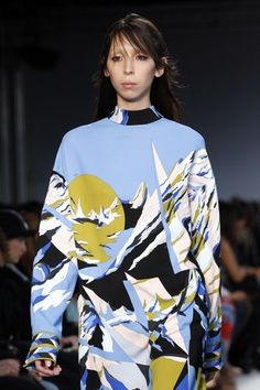 See detail photos for Emilio Pucci Fall 2016 Ready-to-Wear collection.
