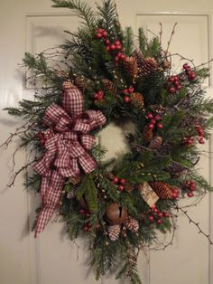 Primitive~Winter~Christmas~Holiday~Peace~Bells~Stars~Pine~Floral~Vine~Wreath