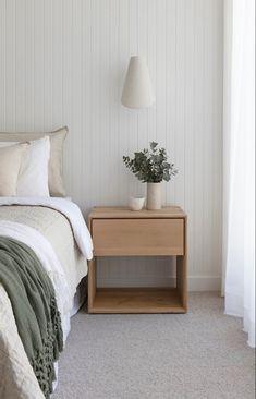 Feature Wall Bedroom, Bedroom Wall, Feature Wall Design, Linen Bedroom, Room Ideas Bedroom, Home Decor Bedroom, Neutral Bedroom Decor, Coastal Master Bedroom, Simple Bedroom Design