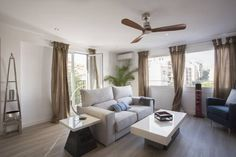 Apartamento Santa Catalina Palma de Mallorca Located 600 metres from Palma Yacht Club, Apartamento Santa Catalina offers accommodation in Palma de Mallorca. The apartment is 1 km from Palma Port. Free WiFi is available .  A toaster, a fridge and a stovetop can be found in the kitchen.
